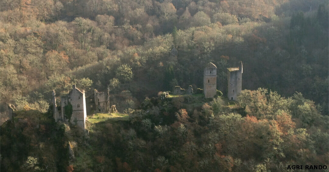 Impregnable view of the Tours de Merle with it's autumn colour vegetation